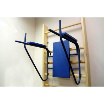 Брусья со спинкой и подлокотниками для шведской стенки фотография товара